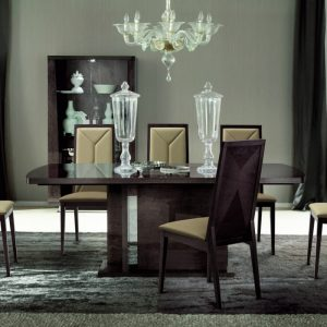 Eva Extending Dining Table in High Gloss, by Mobili Domani
