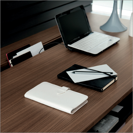 Porada Kepler Office Desk, by G. Azzarello